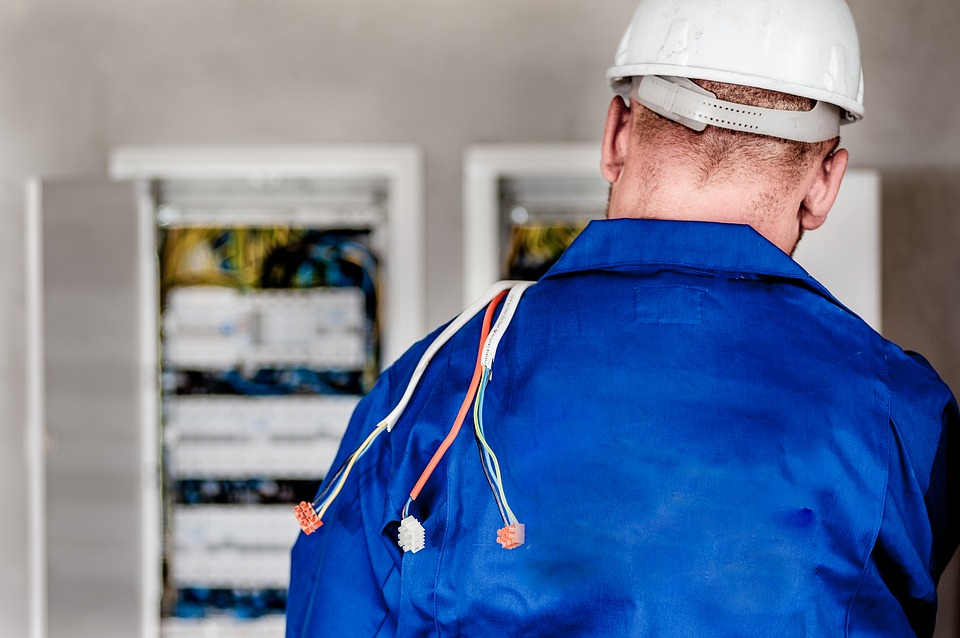 electrician-1080586_960_720